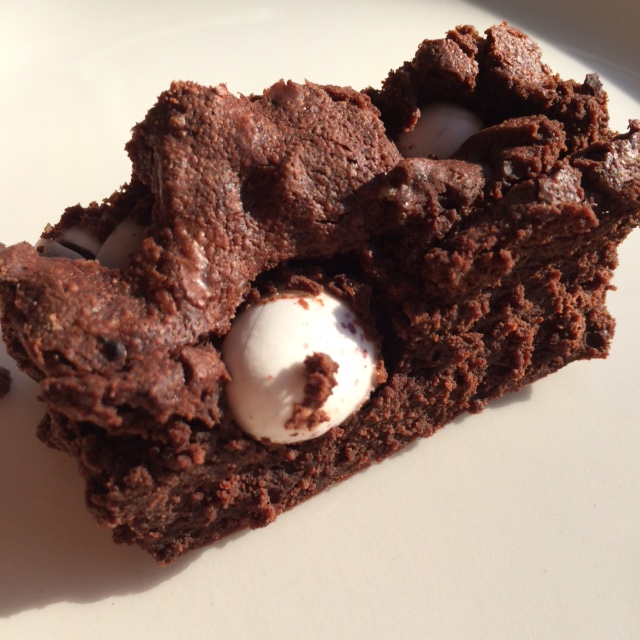 mini eggs flourless chocolate brownies